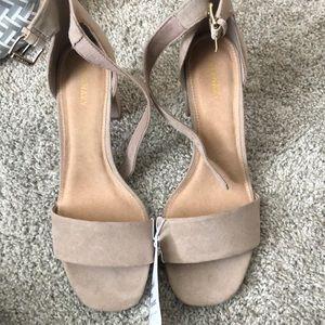 Old navy nude block heel shoes